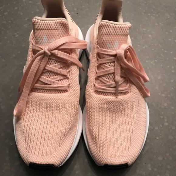 5c6f3e7f1f8 adidas Shoes - adidas Originals Women s Swift Run Shoes